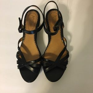 Clark's woman's black sz 9 1/2 Allison sandals.
